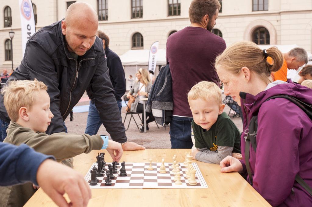 Sjakk & Samfunn på Verdens Kuleste Dag i Oslo 2019